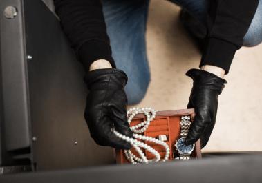 Адвокат по кражам грабежам и разбоям по статьям 158 161 162 УК РФ
